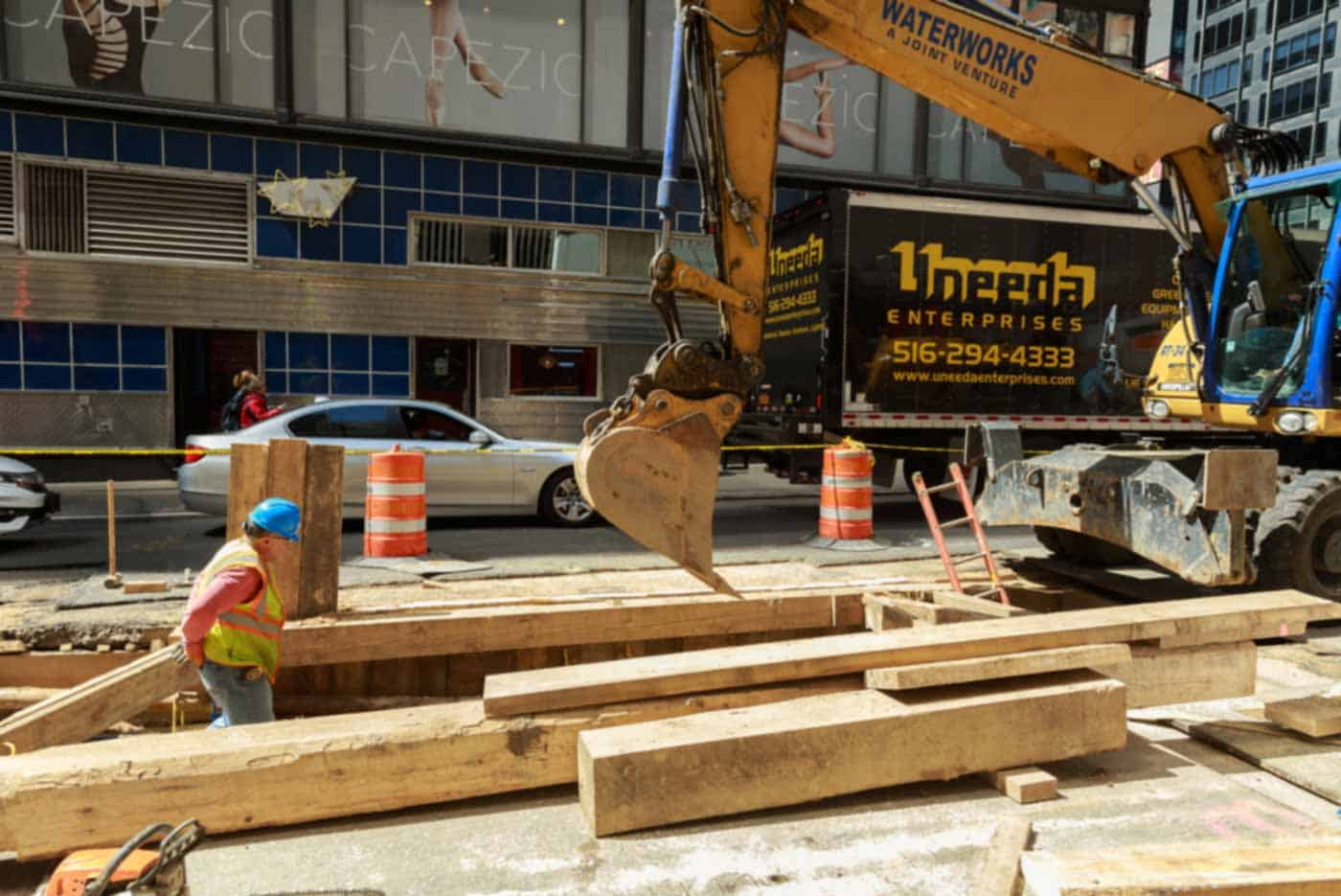 Steam pipe explosion in NYC causes asbestos concerns